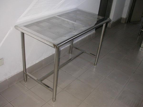 不锈钢打孔桌